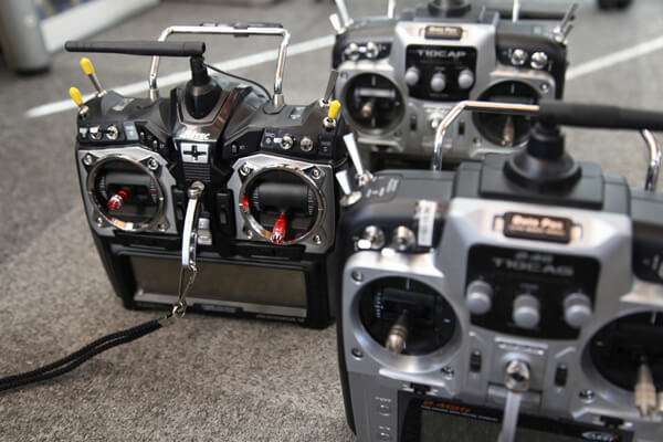 DJIのドローンを販売、操縦の指導も行う【D-PLAN】は空撮や測量の実績が豊富